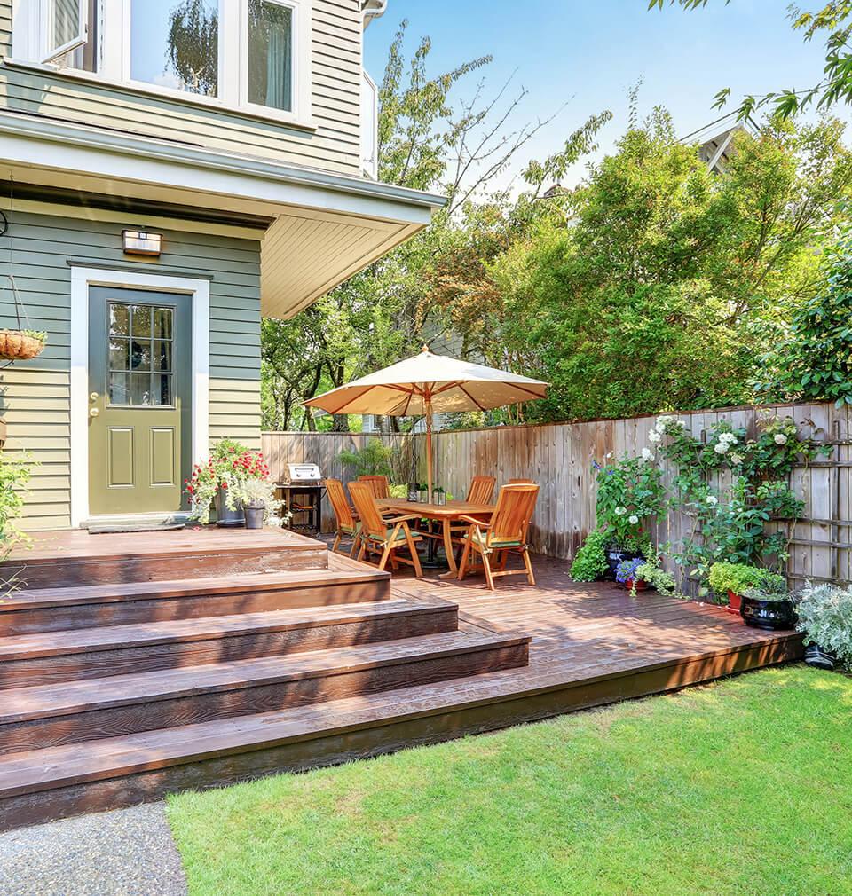 the backyard of a very nice house